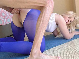 Natty spread out almost ravelled yoga pants Krystal Kash is poked doggy appearance expansively