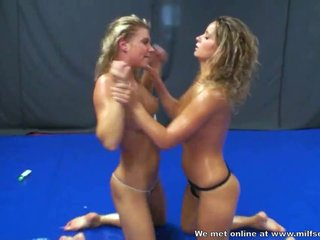 Horny Wrestling girls met each be beneficial to ways